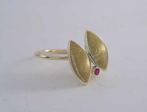 'Two ships, one universe' ring
